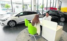 Los concesionarios bajan el precio de los coches ante otra restricción a las emisiones