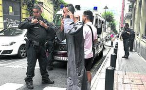 Cinco acusados de la violación de Bilbao se someten hoy al reconocimiento de la víctima