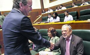 Azpiazu descarta rebajar la presión fiscal y complica el pacto presupuestario con el PP