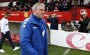 «Es importante sumar los tres primeros puntos en casa para coger confianza», advierte Lambea