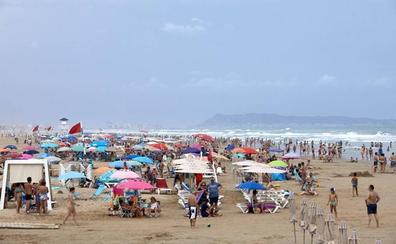 La caída de turistas extranjeros dificulta el verano al sector hotelero