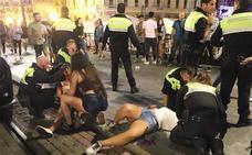 Una joven herida al recibir un botellazo en la cabeza esta madrugada en El Arenal