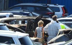Un incendio deja 21 coches calcinados en una empresa de parking low cost del aeropuerto