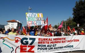 17 detenidos y cuatro policías heridos en los primeros altercados en la contracumbre del G7