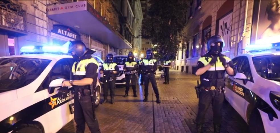 Así se preparan los antidisturbios de la Policía Municipal durante las noches en Aste Nagusia