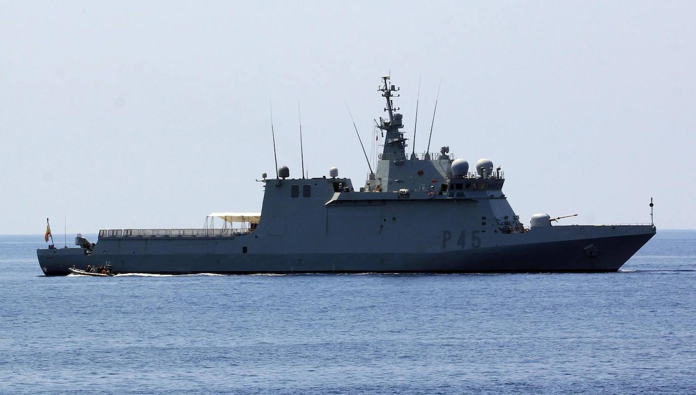 El buque 'Audaz' sigue sin poder recoger a los quince inmigrantes del Open Arms