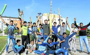 Pakistán juega en Sansomendi