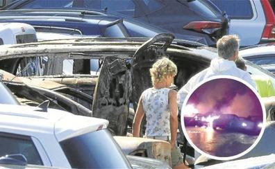 Investigan si el incendio que calcinó 21 coches en Zamudio fue intencionado