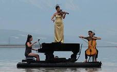 'Le piano du lac' musika eta dantza ikuskizuna, asteburuan Landako Parke Probintzialean