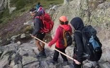 Cuatro mujeres invidentes cumplen el reto de hacer cumbre en un tres mil
