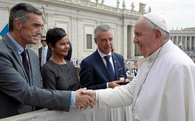 El lehendakari vuelve a llevar la cuestión de los presos a la Santa Sede