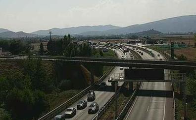 Normalidad en las carreteras alavesas una vez finalizadas las retenciones en el enlace de Vitoria con la A1