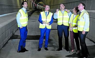 El Gobierno vasco pide a Madrid la misma diligencia con el TAV que con el tren a Santander