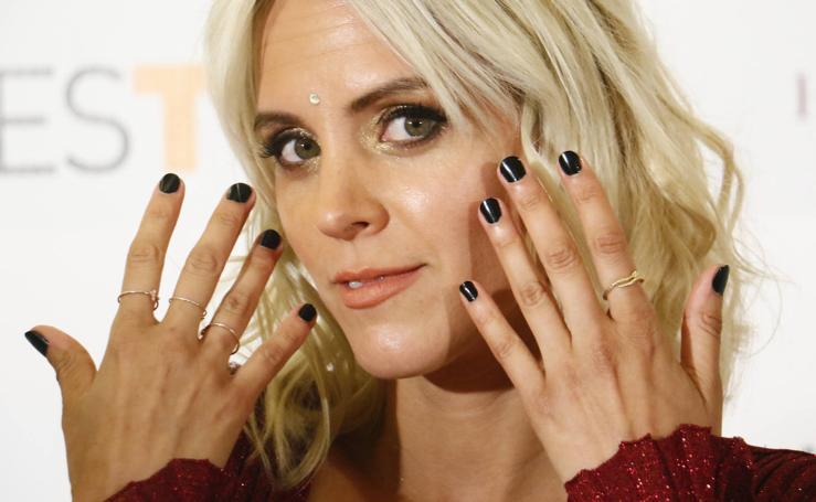 Los actores de 'Malaka' derrochan 'glamour' sobre la alfombra naranja del FesTVal