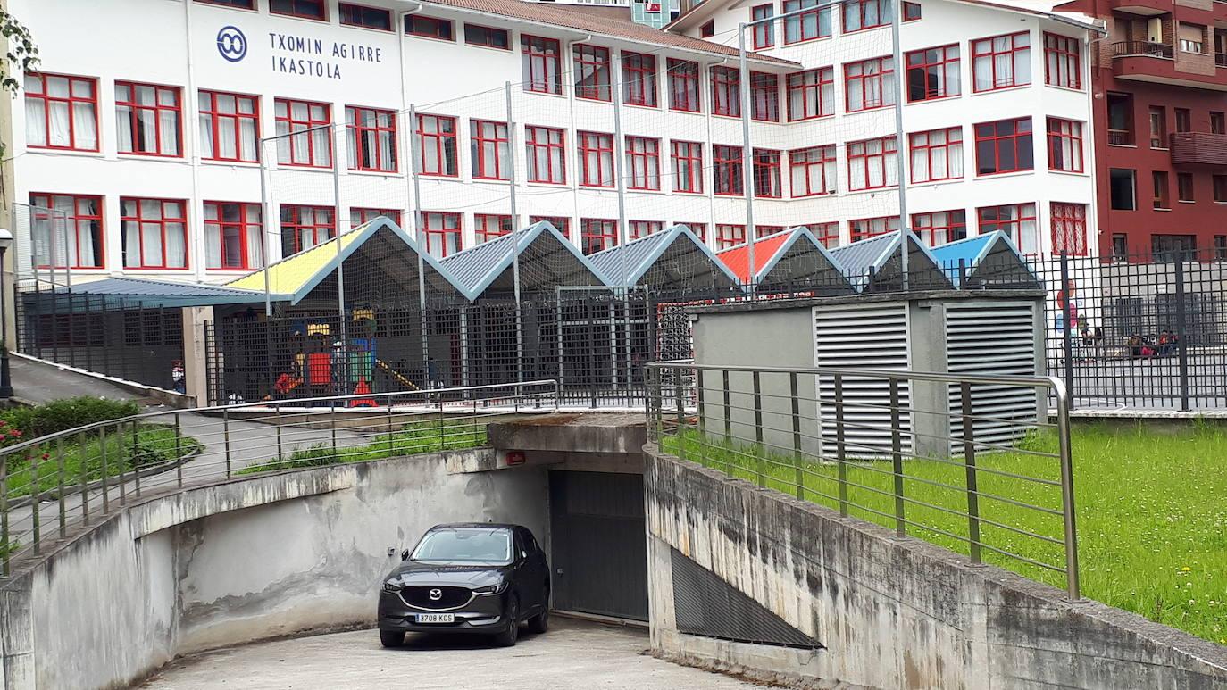 El nuevo parking subterráneo de Ibaiondo en Ondarroa se muestra a la población mañana