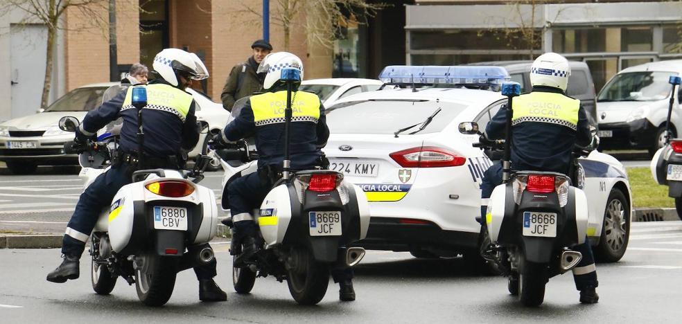 Un ciclista ebrio agrede a agentes de la Policía Local de Vitoria tras negarse a realizar la prueba de alcoholemia