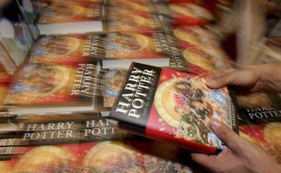 Nashvilleko eskola katoliko batek Harry Potterren liburuak debekatu ditu hauexek madarikaturik daudela egotzita