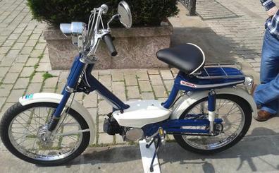 Plentzia Classic da el salto a las dos ruedas con una exposición de ciclomotores antiguos