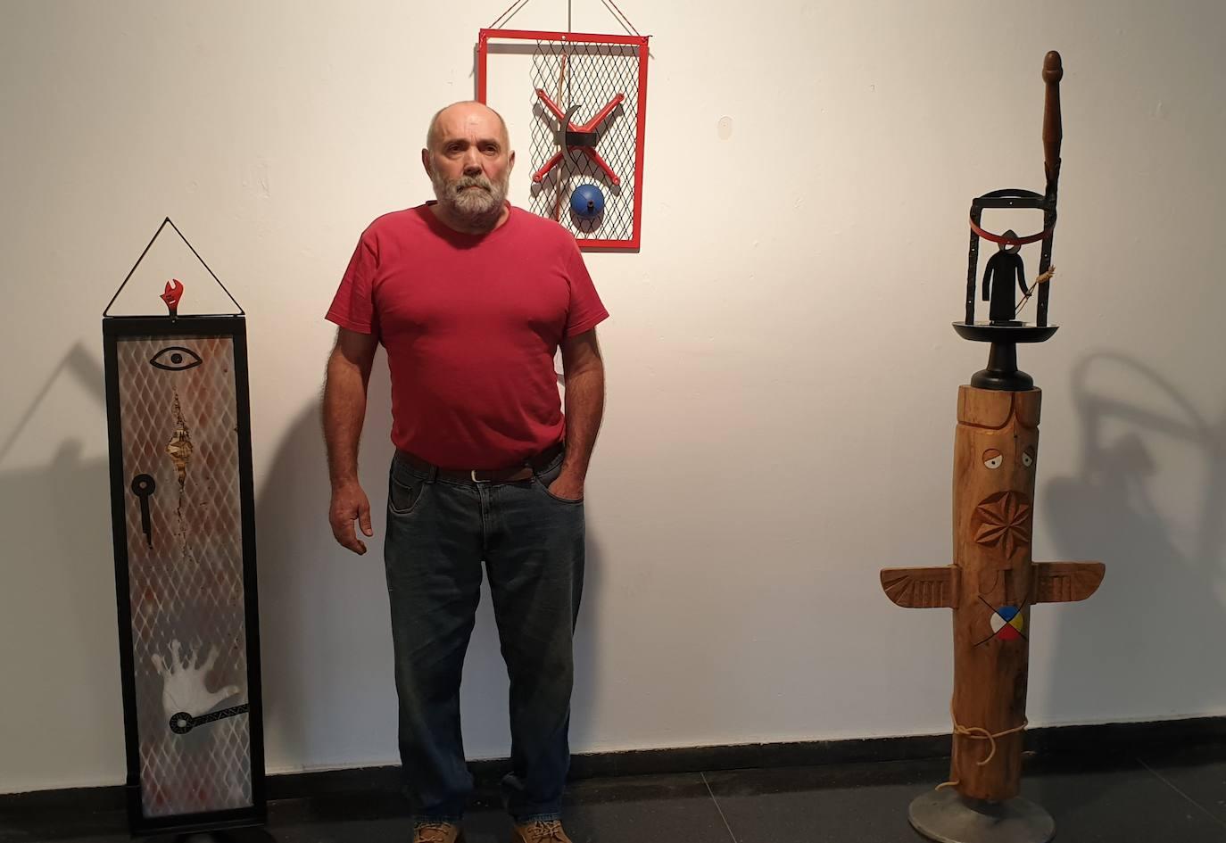 Alberdi recurre a las herramientas del campo para esculpir sus obras