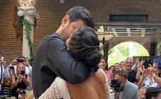 Un novio rockero y un vestido de novia de 7.000 euros: se filtra la boda de Melendi y Julia Nakamatsu
