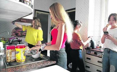 4.700 estudiantes copan pisos de alquiler cada vez más caros y las cuatro residencias de Vitoria
