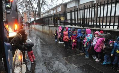 800 alumnos siguen a la espera de Errekabarri y Aldaialde