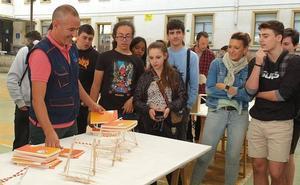 Maristak diseña puentes para «comunicar historias»