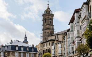 La iglesia de San Vicente lucirá su torre restaurada antes de Navidad