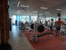 El polideportivo de Llodio ofrece 452 plazas gimnasia, aerobic, yoga, tai chi, zumba y pilates para el próximo curso