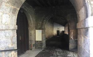 Ugao restaurará los pórticos de San Bartolomé el próximo mes de octubre