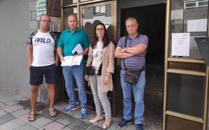 Los vecinos de una mujer con un posible caso de diógenes en Santurtzi: «El olor es insoportable»