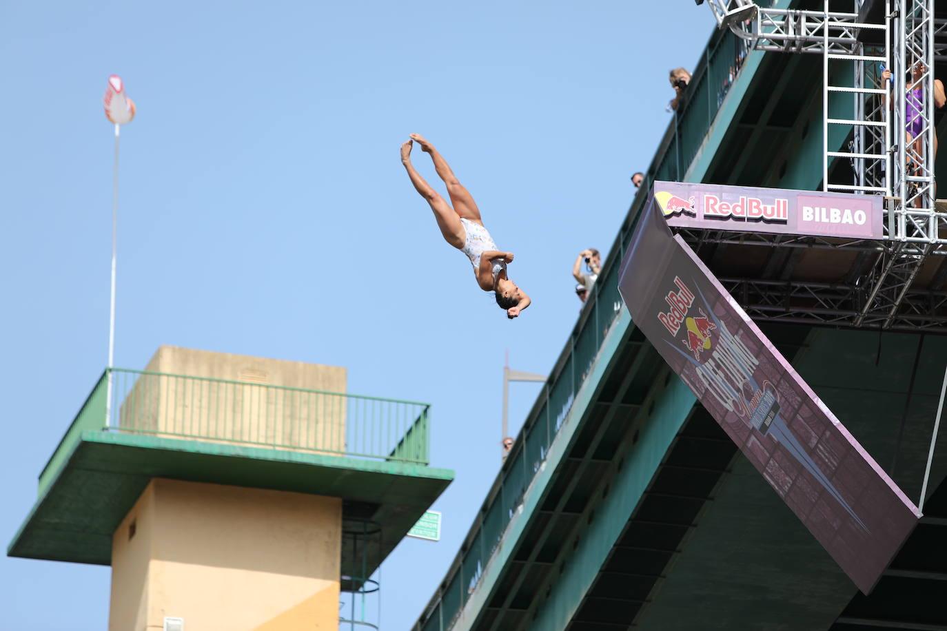 Las mejores imágenes de la final de saltos 'Red Bull Cliff Diving'