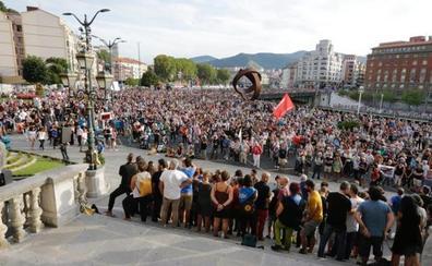Miles de personas claman contra el último 'macrojuicio' al entorno de ETA