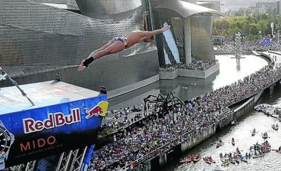 Gary Hunt y Rhiannan Iffland, campeones de las series mundiales Red Bull, triunfan en Bilbao