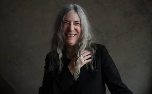 Patti Smith punk-rock musikari eta feminismoaren aldeko aktibista sutsua YSL luxuzko markaren irudi berria izango da