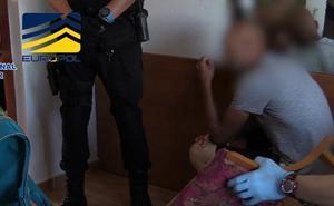 Detenido en Bilbao un miembro de una red que trasladaba a 'menas' hacia Europa