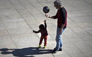 «Los padres juegan poco con sus hijos»
