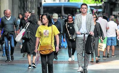 Bilbao expulsará el patinete eléctrico de la acera en octubre