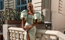 Mangas XL y pendientes de 26.000 euros: la valenciana que encontró en Bilbao su look de invitada perfecto