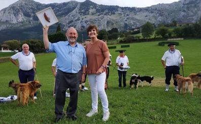 Gerediaga agradece a Lázaro Milikua sus 41 años al frente del concurso de perros