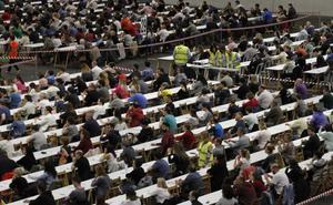 Osakidetza da marcha atrás y encargará otra vez a médicos vascos los exámenes de la OPE
