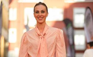 La presentadora que empoderó el diseño vasco sobre la alfombra naranja del FesTVal de Vitoria