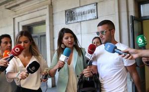 Los tres de 'La Manada' que robaron las gafas en San Sebastián, condenados a una multa de 810 euros