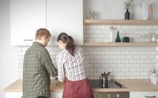 El Gobierno vasco quiere meter a los hombres en la cocina