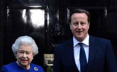 David Cameron enoja también a Isabel II