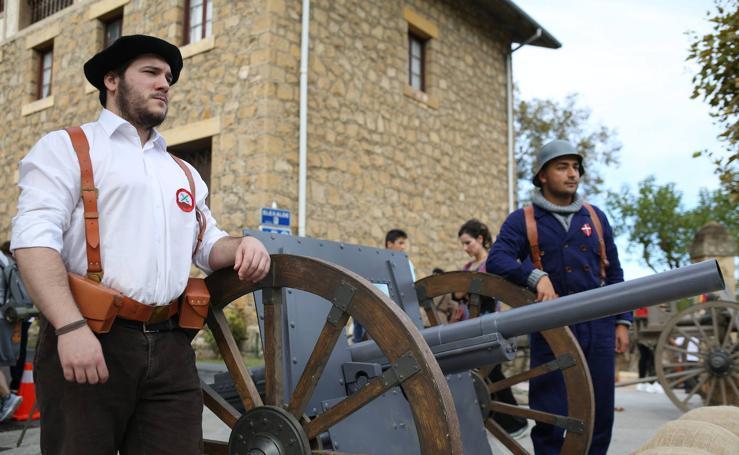 Las imágenes de la recreación de la Guerra Civil en Berango