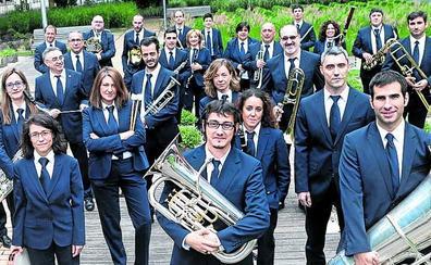 La Banda Municipal de Vitoria se rinde al genio de Piazzolla en el arranque de la temporada