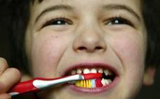 Una dieta con excesivo azúcar dispara las caries entre los niños vascos con dientes de leche