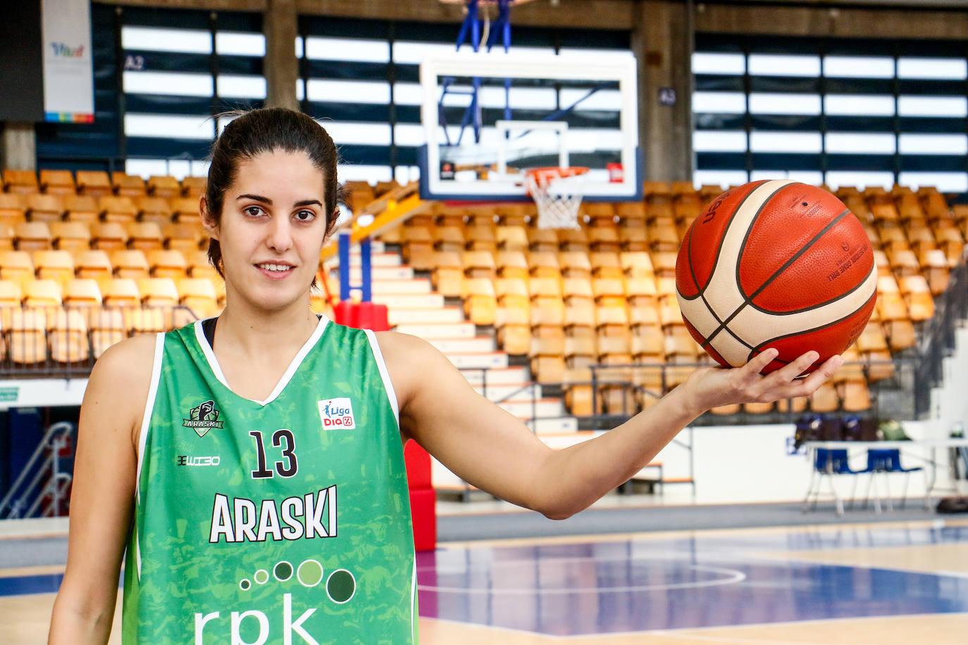 Laura Pardo: «Compartir vestuario con grandes jugadoras te hace aprender»