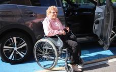 Vecinos de Llodio critican la rigurosidad de las multas en las plazas de discapacitados